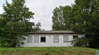 Anstelle des Metallcontainers soll ein zweistöckiges Wohngebäude gebaut werden.