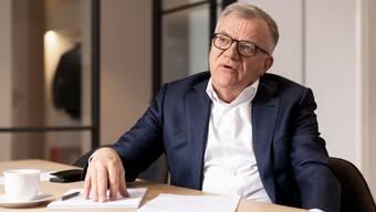 Hansueli Loosli, Verwaltungsratspräsident Coop und Swisscom, in seinem Büro in Baden.