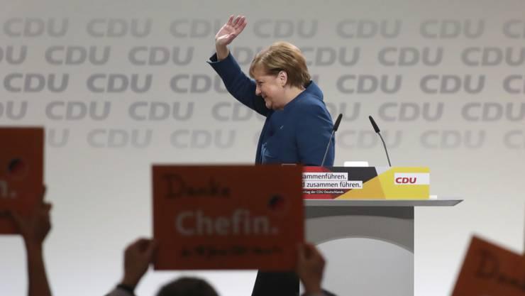 Danke Chefin, das war es: Angela Merkel verlässt das Rednerpult nach ihrer Abschiedsrede als Parteivorsitzende.