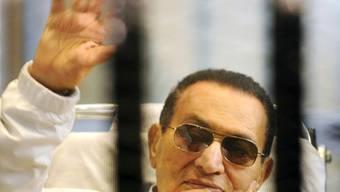 Noch in dieser Woche wieder in Freiheit? Mubarak bei einer Gerichtsverhandlung im April.