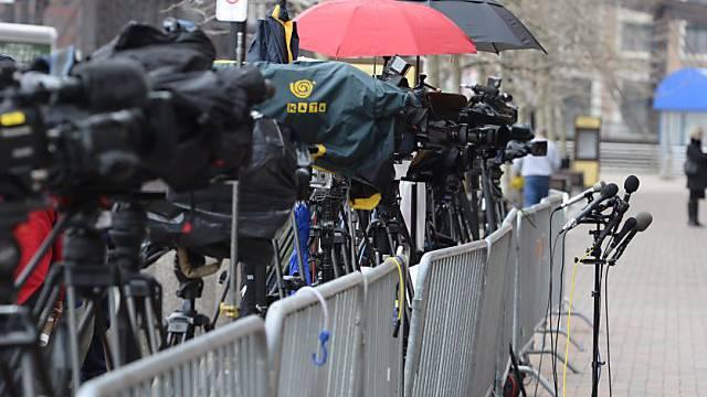 Müssen sich weiter gedulden: Medien vor dem Gerichtshaus in Boston
