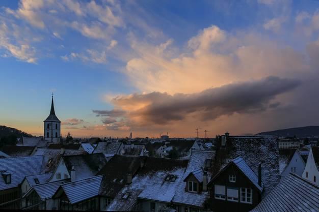 Winterliche Abendstimmung über Muttenz und Basel