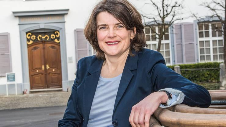 Könnte erste linke Frau in der Baselbieter Regierung werden: Kathrin Schweizer vor dem Regierungsgebäude in Liestal.
