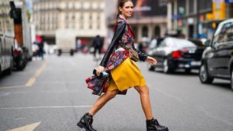 Urbane Gipfelstürmerinnen sind derzeit in allen grossen Modehauptstädten unterwegs.