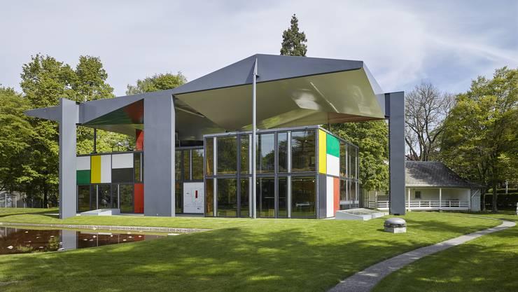 Der denkmalgeschuetzte Bau wurde von Oktober 2017 bis Februar 2019 durch die Architekten Silvio Schmed und Arthur Rueegg im Auftrag der Stadt Zürich umfassend renoviert und instandgesetzt.