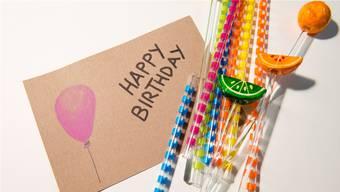 Happy Birthday! Am schnellsten gratuliert der Elektronik-Anbieter.