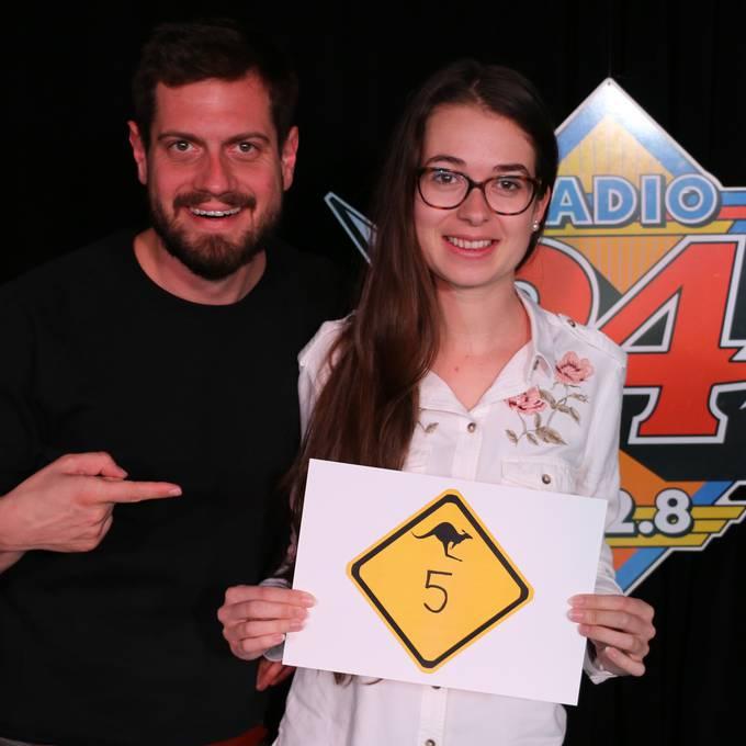Samira aus Freienwil macht 5 Punkte im Australien-Quiz