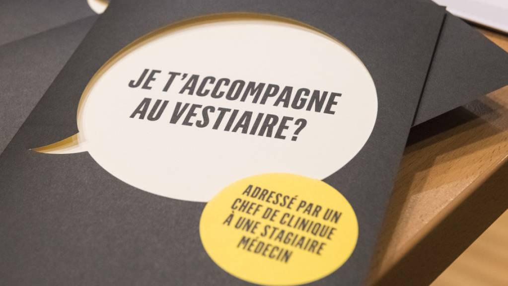 Wie das Lausanner Unispital CHUV (Bild: Infobroschüre 2018) führen nun auch die Uni Freiburg und zwei korrespondierende Institutionen eine Kampagne gegen sexuelle Belästigung von Medizinstudierenden durch. (Archivbild)