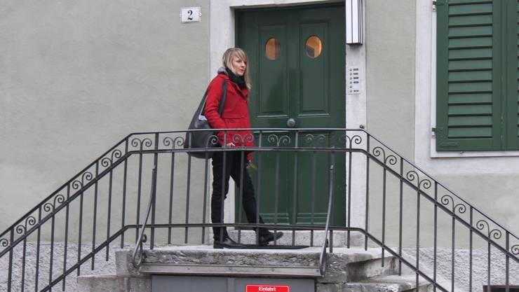 1 Seraina Rohrer verlässt um 7.30 Uhr ihre Wohnung in Solothurn