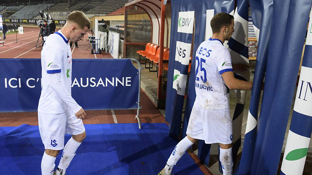 Abschiedsvorstellung missglückt: Die Spieler von Aufsteiger Lausanne verlassen die Pontaise mit gesenkten Köpfen