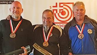 Reines Aargauer Podest im 300-m-Liegendmatch der Senioren (von links): Erich Hunziker (2.), Ruedi von Arx (1.) und Bronzegewinner Peter Haltiner.