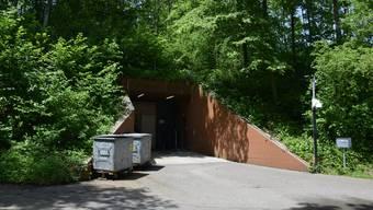Der Eingang zur Notunterkunft in Urdorf.