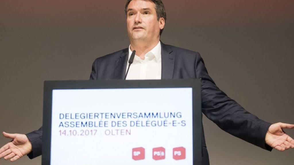 """SP-Präsident Schweiz Christian Levrat kritisiert an der Delegiertenversammlung in Olten die Parteimitglieder, die sich gegen die AHV-Revision eingesetzt hatten. Sie hätten damit das """"Eigengoal das Jahrhunderts"""" geschossen."""