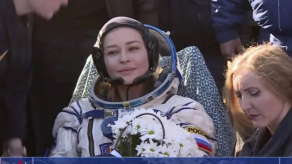 Nach Dreh auf der ISS: Russisches Filmteam zurück auf der Erde