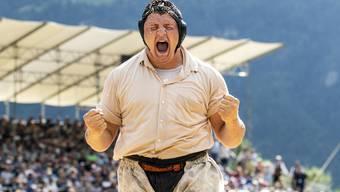 Der Urschrei des Siegers: Nick Alpiger nach seinem Festsieg.
