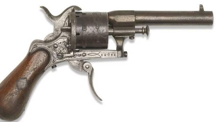 Das vielleicht berühmteste Beziehungsdelikt unter Dichtern wurde mit diesem Revolver ausgeführt, als der französische Lyriker Verlaine 1873 in Brüssel auf seinen Liebhaber Rimbaud schoss - ihn aber nur verletzte. Die Waffe wurde am Mittwoch in Paris versteigert.