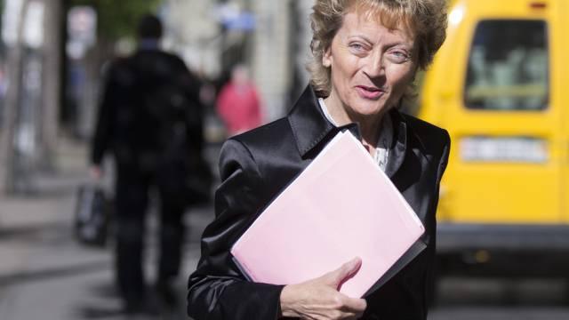 Eveline Widmer-Schlumpf vor der MK zur CS-Lösung im Steuerstreit.