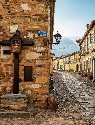 Castrillo de los Polvazares ist ein kleines denkmalgeschütztes Dorf in der Provinz León.