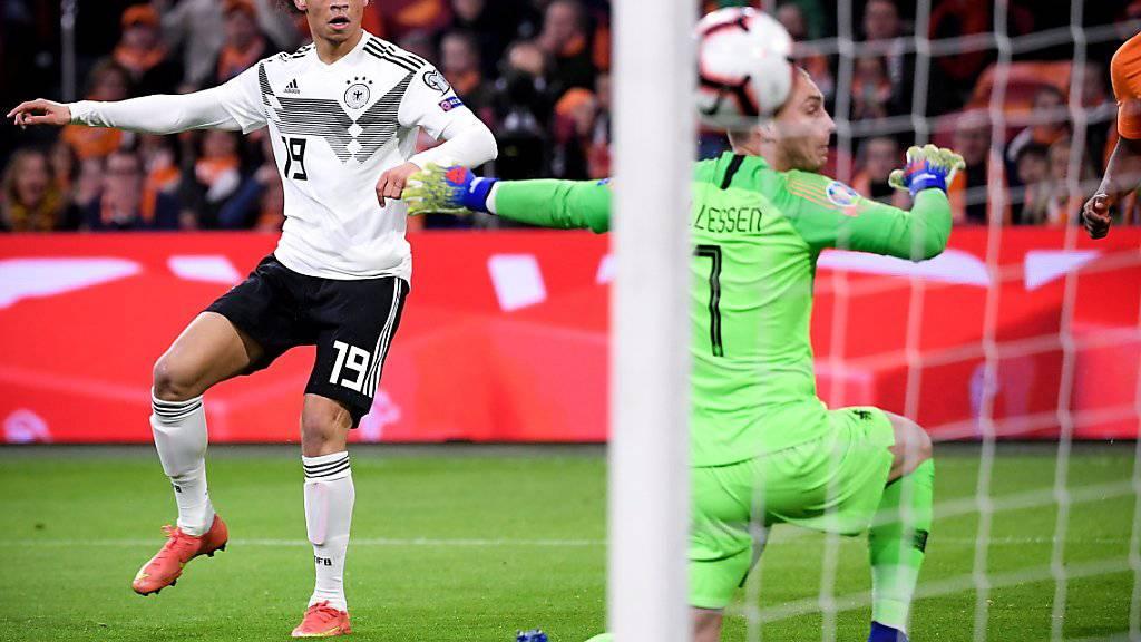 Das 1:0 für Deutschland: Leroy Sané bezwingt Jasper Cillessen