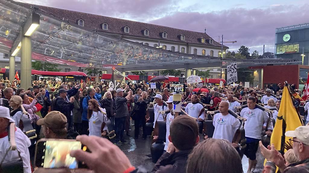 Tausende demonstrieren gegen «Zerti-Diktat» – Demo auch in St.Gallen