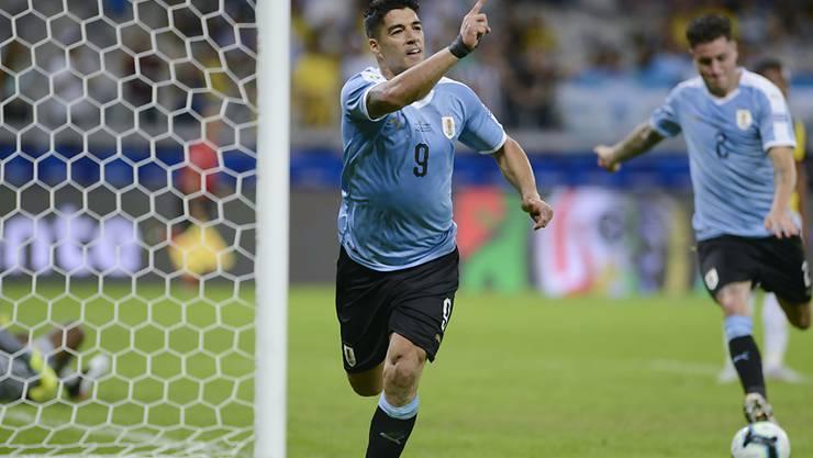 Luis Suarez trifft lässt seiner Freude freien Lauf.