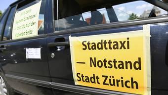 Die Uber-Konkurrenz hat die Zürcher Taxifahrer auf die Barrikaden getrieben. (Archivbild)
