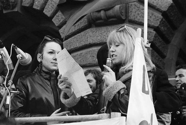 An dem Protestzug nach Bern nahmen mehreren Tausend Frauen teil – Männer waren allerdings auch zugelassen und zugegen.