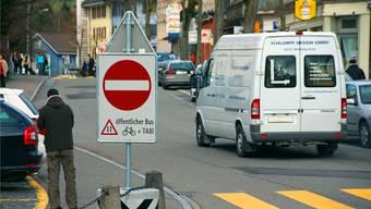 Wer hier durchfährt, kassiert bald eine Busse à 100 Franken und nicht nur eine polizeiliche Belehrung. ROB
