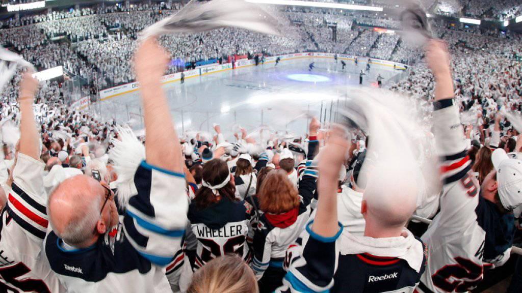 Die Fans der Winnipeg Jets in Ekstase