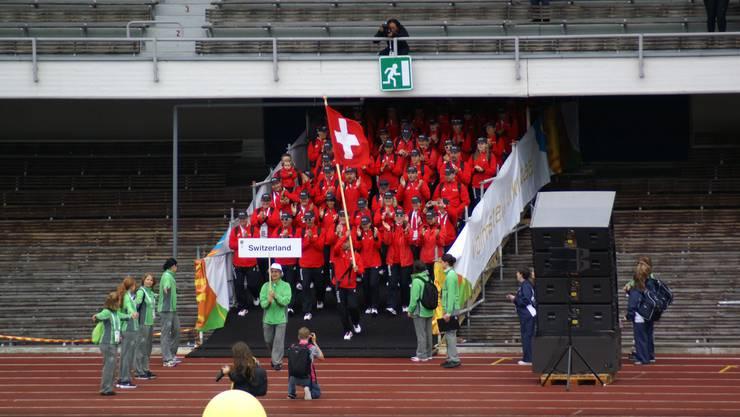Die ersten Schweizer Turner kommen ins Stadion