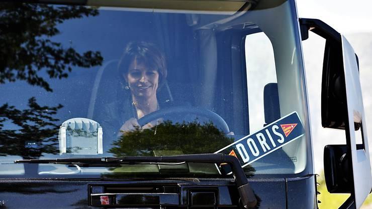 Der Chauffeurverband Les Routiers Suisses will sich gegen eine Lockerung des sogenannten Kabotageverbots wehren. An der Delegiertenversammlung vom Samstag nahm auch Bundesrätin Doris Leuthard teil. (Bild: Les Routiers Suisses)