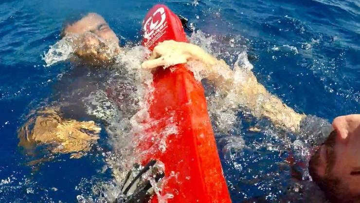 Bei einem Bootsunglück vor der libyschen Küste sind mehrere Flüchtlinge ums Leben gekommen, 60 Menschen konnten gerettet werden. (Symbolbild)