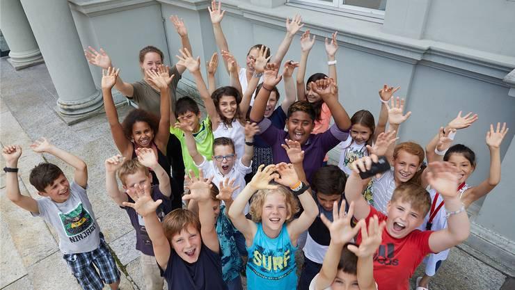 Jubelnde Kinder der Primarschule Stapfer aus Brugg an der «Funkenflug»-Preisfeier 2019 am 19. Juni in Aarau. Bild: Donovan Wyrsch