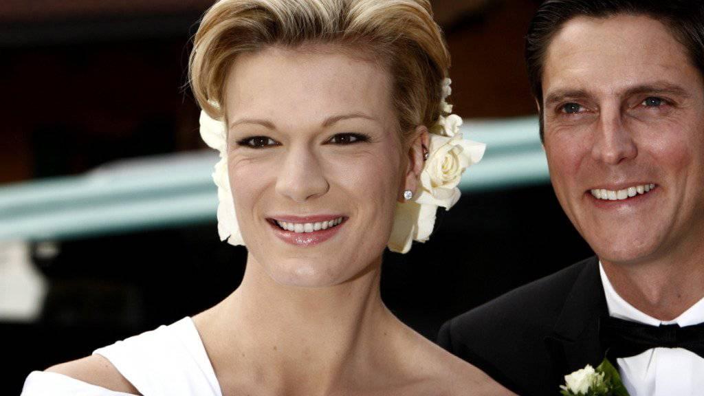 Ex-Skirennläuferin Maria Höfl-Riesch - hier bei der Hochzeit mit ihrem Manager Marcus Höfl - hat nie kochen gelernt. In ihrem Kühlschrank stehen nur Sojamilch und Energieriegel. (Archivbild)
