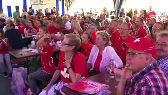 In der Urdorfer Bölle-Bar verfolgten am Sonntagabend 800 Fussballfans das Spiel Schweiz gegen Brasilien.
