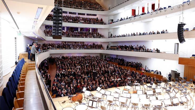 Imposant: Grosser Konzertsaal des Kultur- und Kongresszentrums Luzern (KKL) mit vielen Freiämterinnen und Freiämtern auf den Rängen.