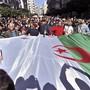 Demonstranten in Algerien wehren sich gegen eine erneute Kandidatur von Präsident Abdelaziz Bouteflika. (Archiv)