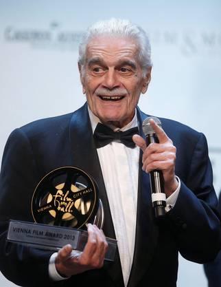 Das Bild zeigt Omar Sharif am 15. März 2013, als er am 4. Film Ball in Wien einen Preis für sein Lebenswerk erhielt.