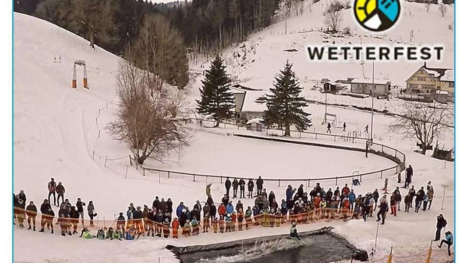 Waterslide-Contest am Skilift Heiden