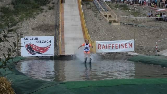 Waterslide-Contest des Skiclubs Selzach zum Jubiläum