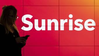 Der Schweizer Mobilfunkanbieter Sunrise soll nach dem geplatzten Kauf des Kabelnetzbetreibers UPC 50 Millionen Franken Konventionalstrafe zahlen. (Symbolbild)