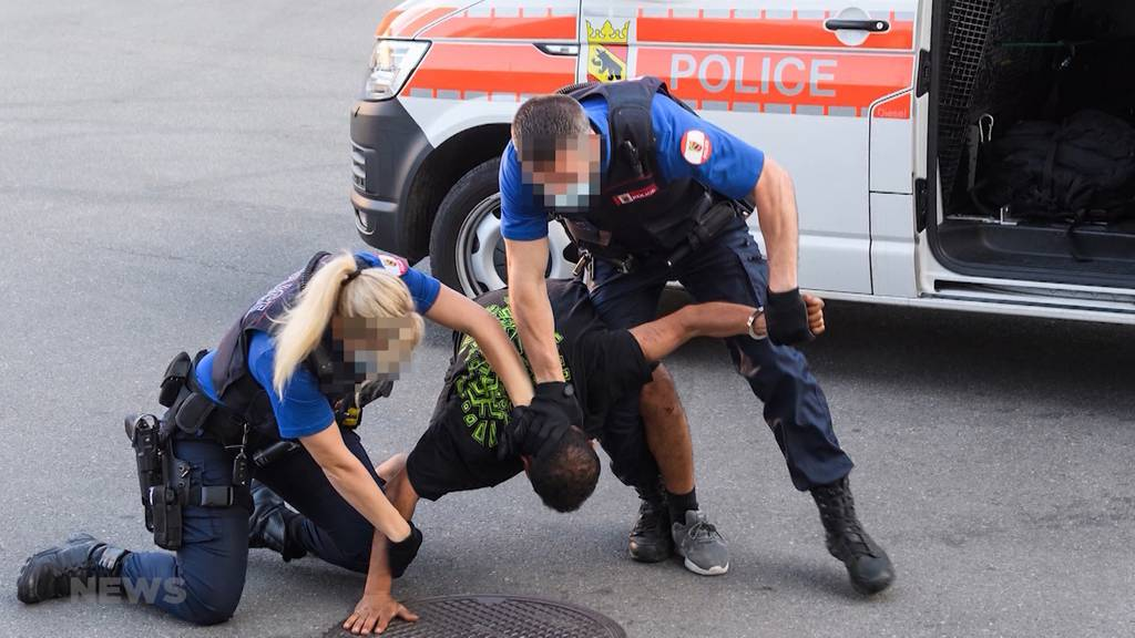 Scharfe Kritik an Berner Polizei: «Brutale Verhaftung» erinnert an Fall von George Floyd