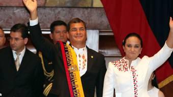 Ecuadors Präsident Rafael Correa (l.)