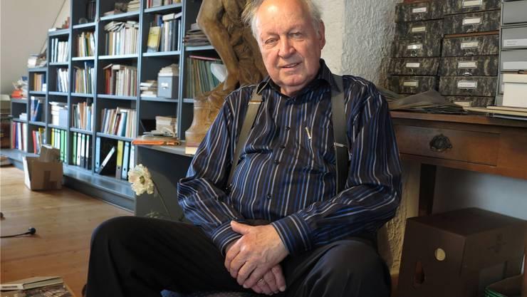 Der pensionierte Radioreporter Martin Blümcke in seinem Büro in der Altstadtvon Laufenburg.cth