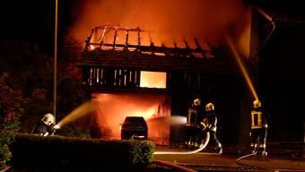 Scheune brennt in Würenlingen nieder