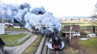 """Die """"Pacific 01 202"""", hier im Jahr 2016 auf der Fahrt durchs Freiamt, hat am Sonntag in Aarau einen Feuerwehreinsatz ausgelöst."""