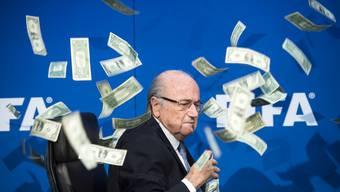 Bundesanwaltschaft ermittelt gegen Sepp Blatter: Impressionen vor der abgesagten Pressekonferenz der Fifa