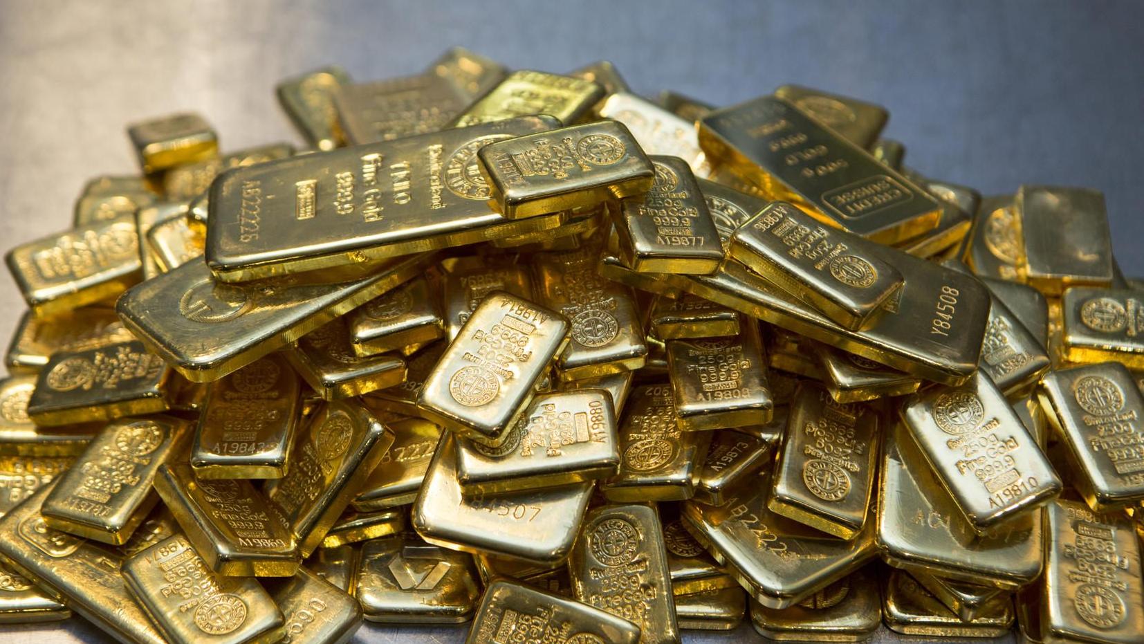 Gangster nehmen Goldhändler-Familie als Geisel