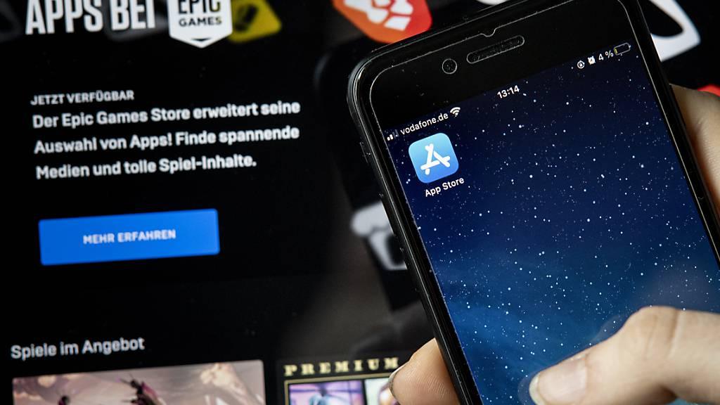 Epic, Macher des populären Spiels «Fortnite», will digitale Artikel in seinen Apps verkaufen, ohne einen Anteil vom Kaufpreis an Apple abzugeben. Der Konflikt geht nun in die nächste Runde. (Archivbild)
