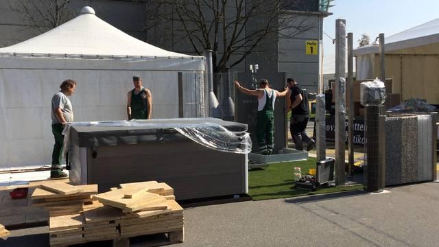 Der Aufbau der Frühlingsmesse «Bauen+Wohnen» im Tägi Wettingen läuft auf Hochtouren – Messeverantwortlicher Marco Biland sagt, weshalb sich ein Besuch lohnt.